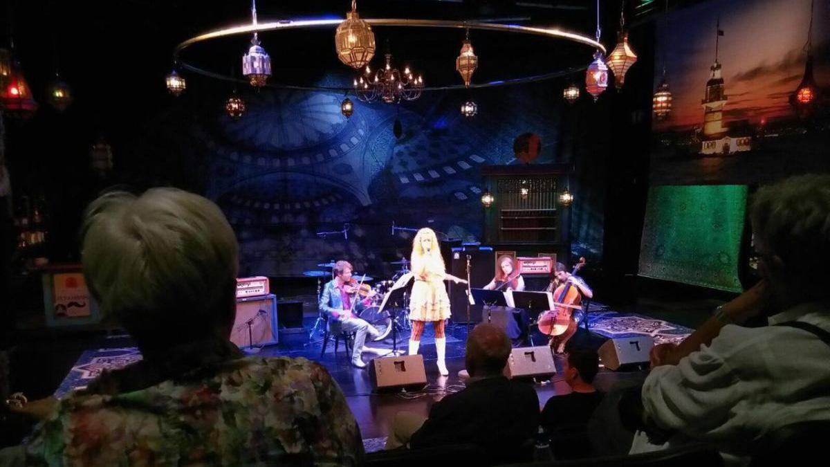 Die Auster Bunny Show im Theater am Goetheplatz in Bremen